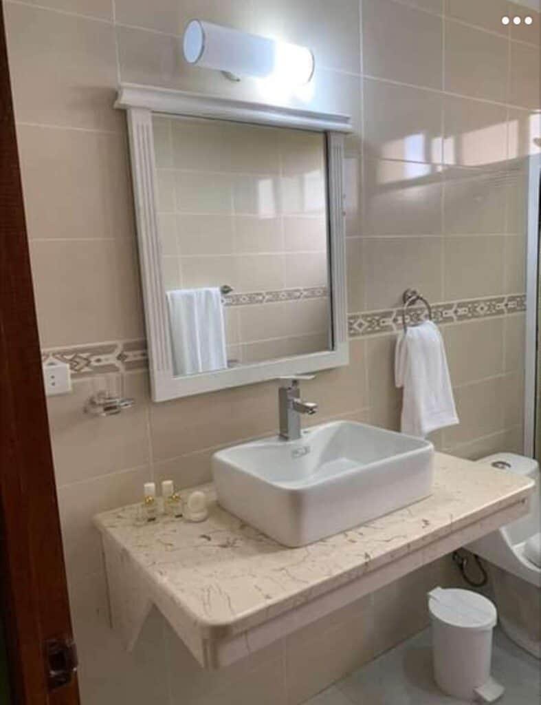 baño hotel miraflores