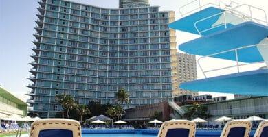 Vista exterior del Hotel Habana Riviera