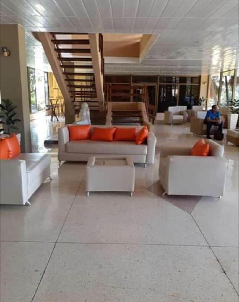 lobby hotel miraflores